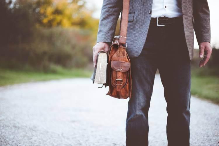 wear man bag